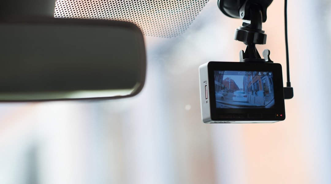 Breaking Down the Pros and Cons of Having a Dash Cam in Your Car