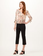 Pull-On Lace Trim Crop Pants - Black - Front