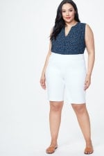 PRE ORDER NYDJ PULL ON SHORT w/ ROLL CUFF - Optic White - Front