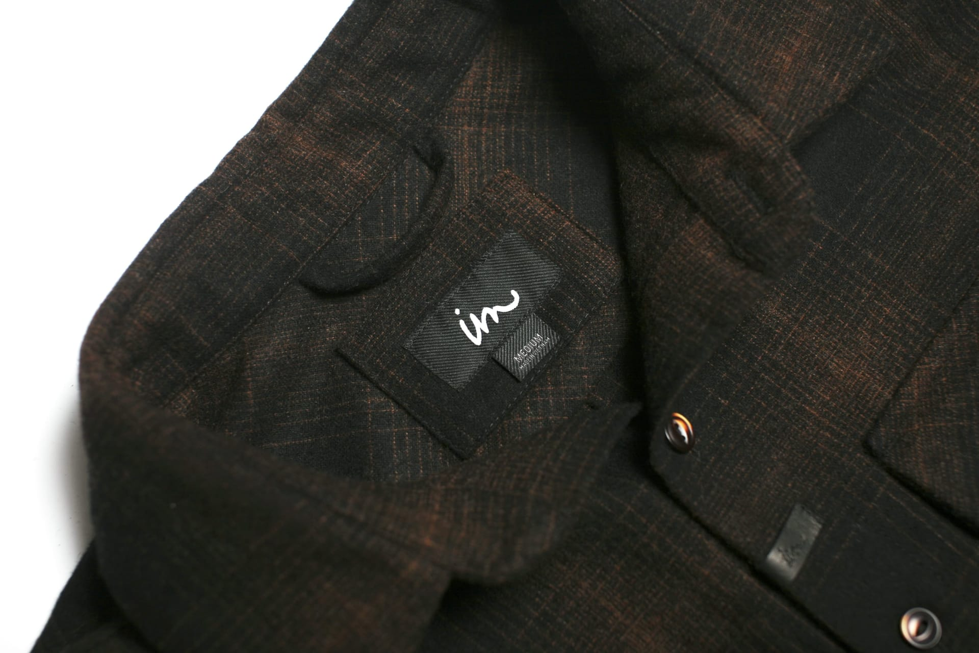 Premium Twill Woven Labels and Hanger