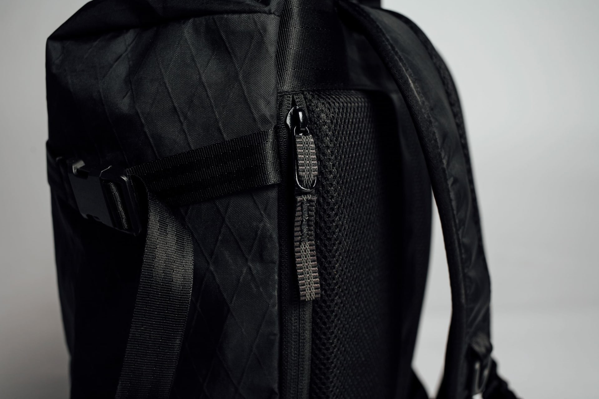 YKK Zippered Dry Compartment