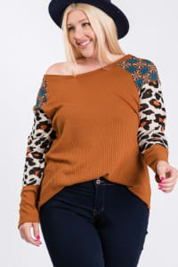 Pattern x Tiger print Sleeve Top - Rust / Animal - Back