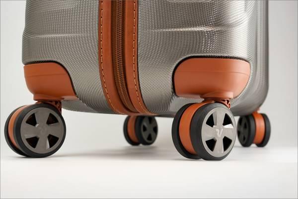 ロンカートのエレガントなスーツケース E-LITEシリーズの大型ダブルホイール