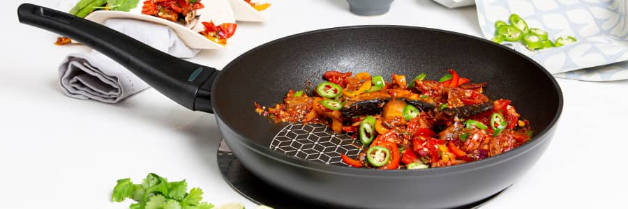 Thermo Smart is a range of non stick induction pans from Prestige. Featuring a real diamond non stick and temperature indicator on the handle for truly hassle free cooking