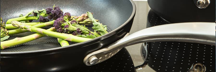 Circulon non-stick frying pans & skillet pans feature Hi-Low grooved interior, so food won't stick - guaranteed