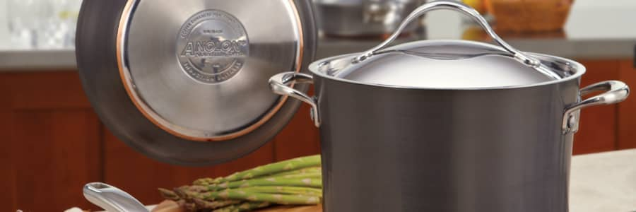 From stainless steel stockpots to hard anodized. Anolon's range of professional quality stockpots make one pot and batch cooking an experience to enjoy.