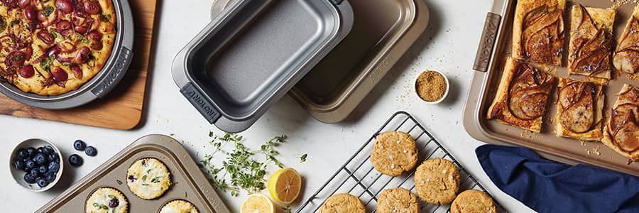 Anolon non-stick bakeware, designed for exceptional baking results. From cake tins and loaf tins to muffin tins, our range of beautiful gold bakeware releases food effortlessly every time.