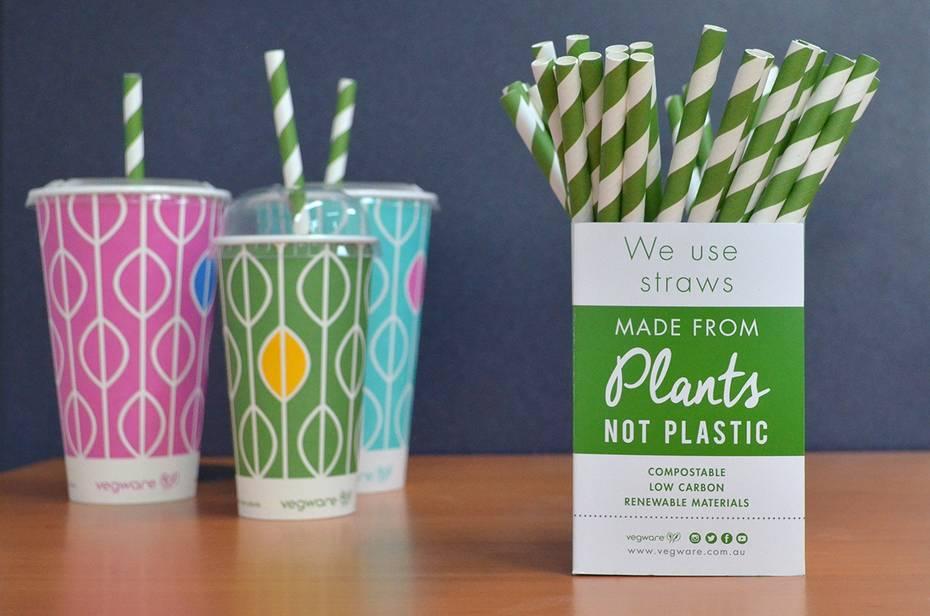 Regular green swirl paper straws 6 x 200mm