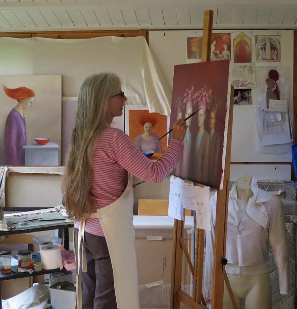 Rosalind Robinson in her studio