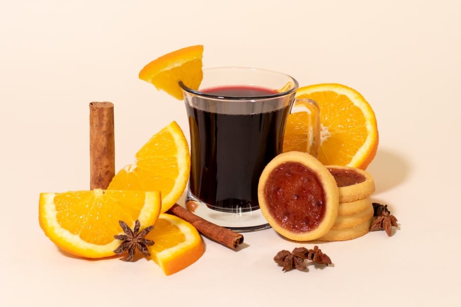 4 Hot Cocktails for a Happy & Tasty Winter