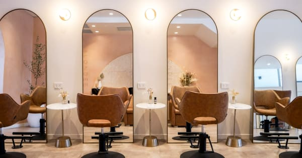 Australian Hairstylist Faith Williams Blonde Salon