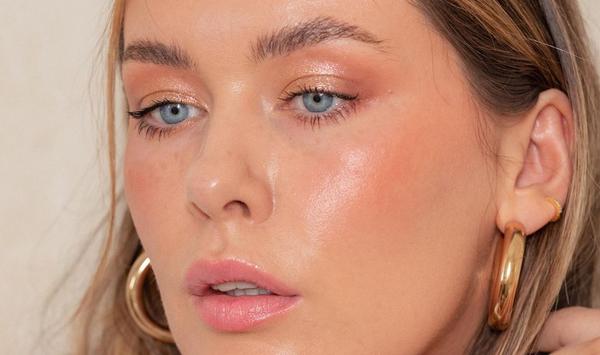 Hannah English Australian Skin Expert