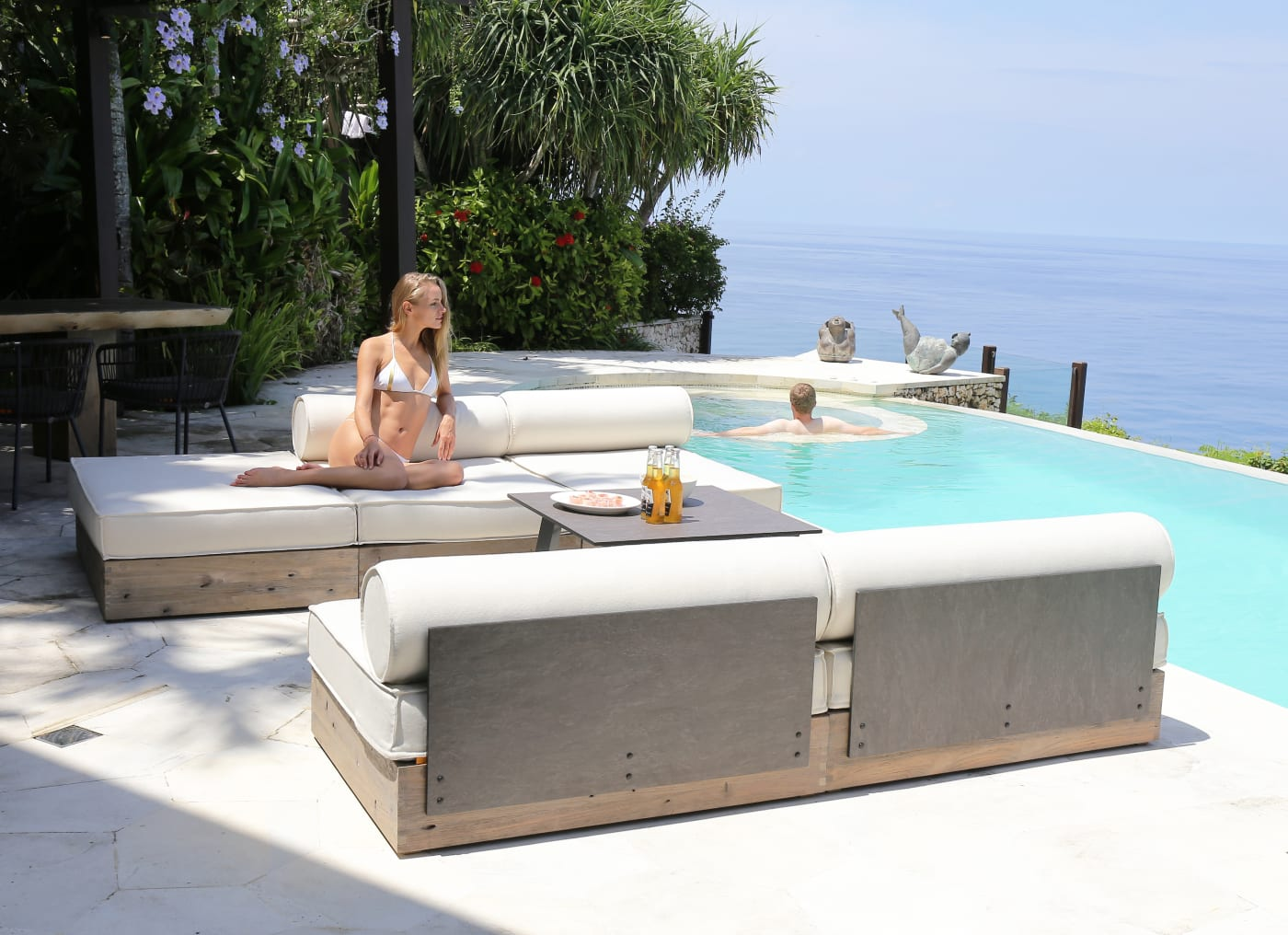 Aiko Comfort Armless Lounge Module