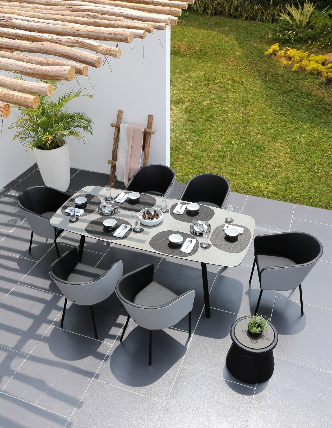 Zupy Extension Dining Table 244-295cm - Teak