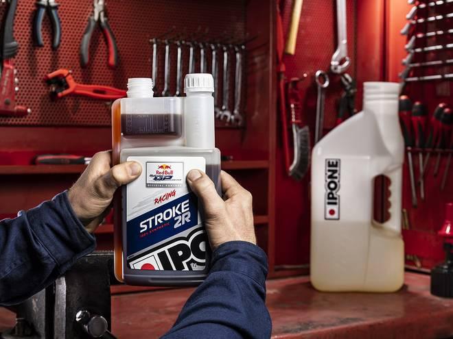 IPONE Stroke 2R huile moteur pour motos 2 temps ipone