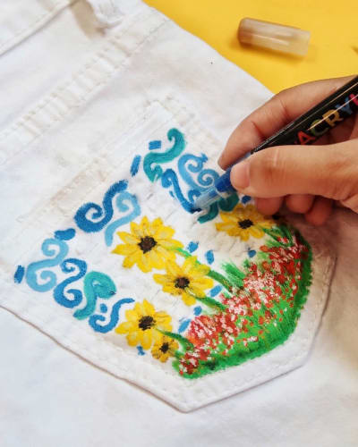 Design Your Jeans with Chalkola Paint Pens!