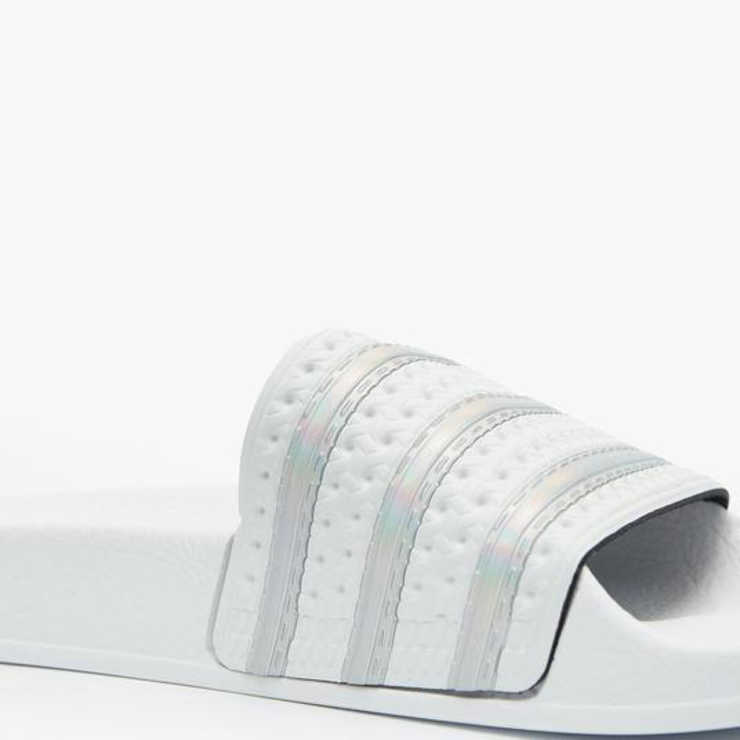 Flip Flops & Sliders