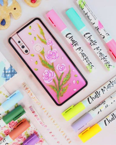 DIY Phone Case Using Chalk Markers