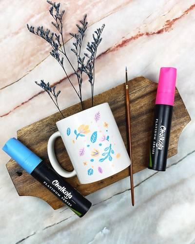 Design Mugs Using Chalk Pens