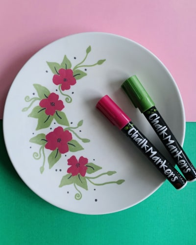 Using Chalk Markers on a Ceramic Plate